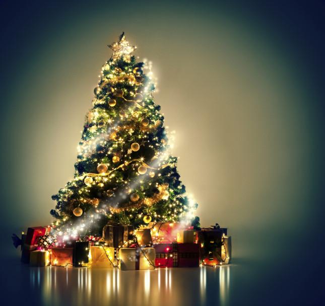 Immagini Di Natale Alberi.Maccio Un Mega Albero Di Natale All Oratorio Villa