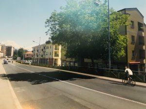 Via varesina nuovi marciapiedi